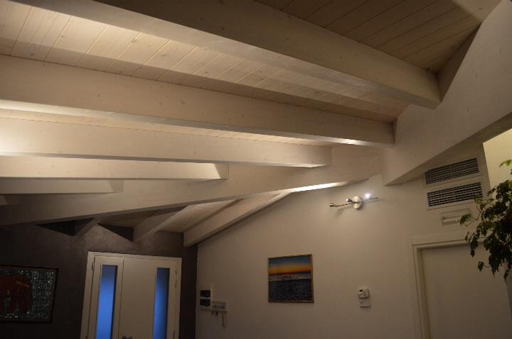 Tetto in legno miari - Legno sbiancato tetto ...