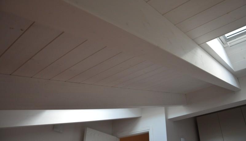 Copertura legno sbiancato miari for Velux tetto in legno